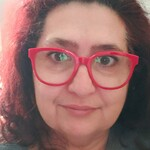 médium - Louise Batista